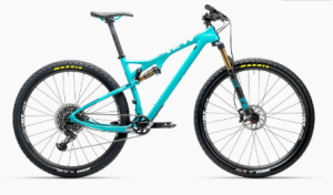 The other half of our colourful pairing, my Yeti ASR40, in turquoise that doesn't quite match that on the Santa Cruz.